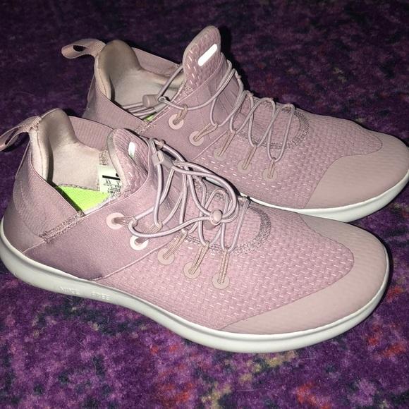 premium selection 4e5ab fa622 Light Pink Nike Free Running Sneakers